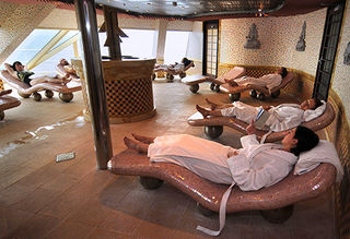 Cloud 9 Spa Carnival Splendor