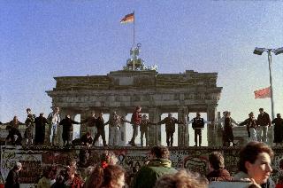 Berlin Brandenburg Gate November 1989