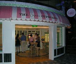 Cupcake Cupboard on Oasis of the Seas (Photo by David G. Molyneaux, TheTravelMavens.com)