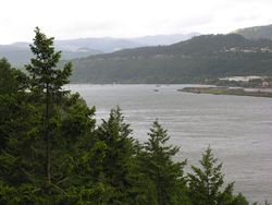 Columbia River Gorge near Hood River, Oregon (Photo by David G. Molyneaux, TheTravelMavens.com)