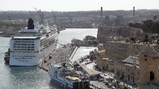Norwegian Jade docked at Valetta, Malta, in February 2010 (Photo by David G. Molyneaux, TheTravelMavens.com)