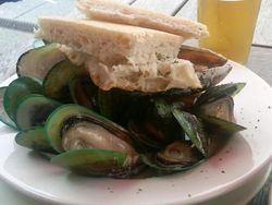Mussels at Mac's Brewbar in Wellington, New Zealand (Photo by Fran Golden, TheTravelMavens.com)