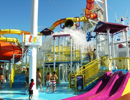 Carnival Breeze waterworks (photo by David G. Molyneaux, TheTravelMavens.com)
