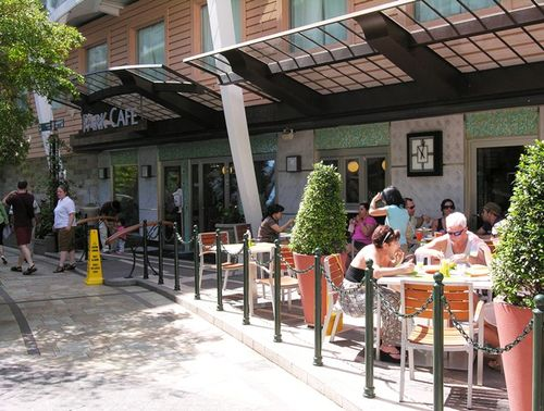 Park Café is a popular stop for breakfast and lunch in Central Park on Oasis of the Seas. (Photo by David G. Molyneaux, TheTravelMavens.com)