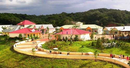 Carnival Corp. built Mahogany Bay village on the island of Roatan, Honduras (Photo by David G. Molyneaux, TheTravelMavens.com)