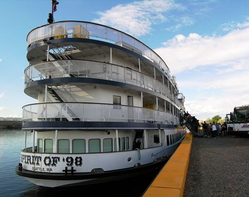 Docked in beautiful downtown Burbank (Photo by David G. Molyneaux, TheTravelMavens.com)