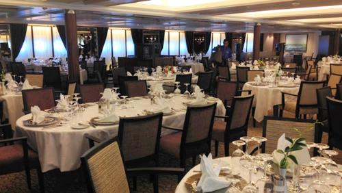 AmphorA dining room on Star Pride (Photo by Fran Golden, TheTravelMavens.com)