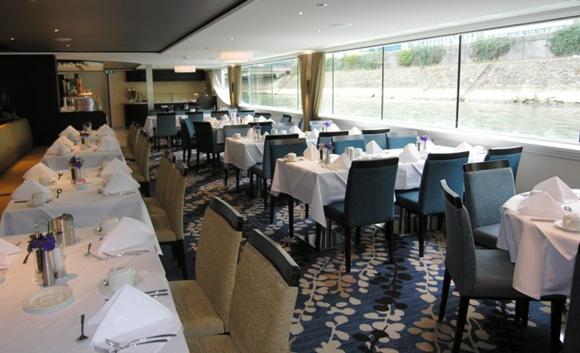 Dining room on Avalon Tapestry II (Photo by David G. Molyneaux, TheTravelMavens.com)