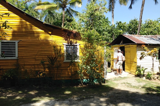 Touring a Dominican Republic home (Photo by David G. Molyneaux, TheTravelMavens.com)