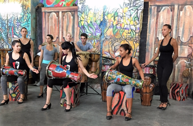 Habana Compás dance group (Photo by David G. Molyneaux, TheTravelMavens.com)