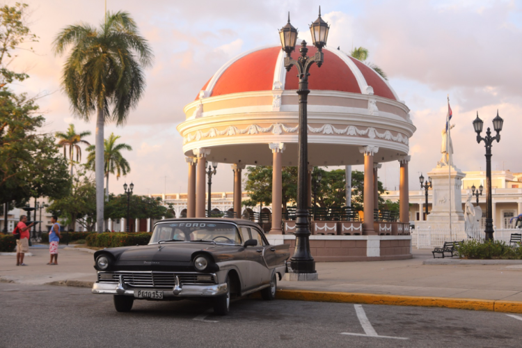 1956 Ford Fairlane in Parque Marti, Cienfuegos  (Photo from Daily Expedition report by Lindblad Expeditions/National Geographic)