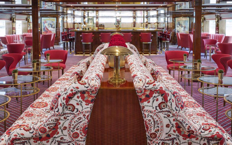 Upper Lounge, with dance floor and bar, on the Joie de Vivre (Photo by Uniworld Boutique River Cruises)