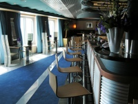 Pinnacle bar Eurodam Holland America (David G. Molyneaux, TheTravelMavens.com)