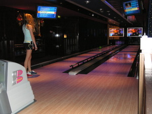 Ncl_pearl_bowling_girl